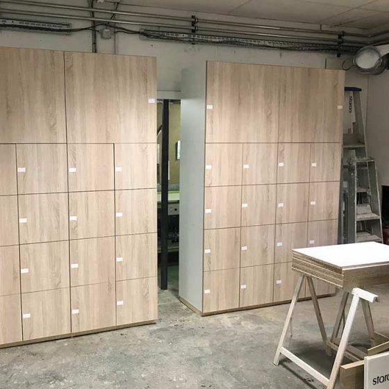 Grand meuble en bois clair