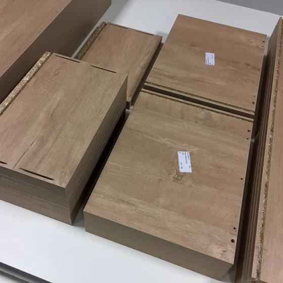 Planches en bois étiquettes